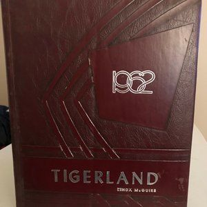 A&M Consolidated High School Yearbook Class of 196
